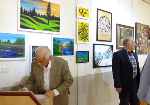 برپایی نمایشگاه آثار نقاشی و نقاشی خط دانش آموزان علامه طباطبایی در نگارخانه رشد