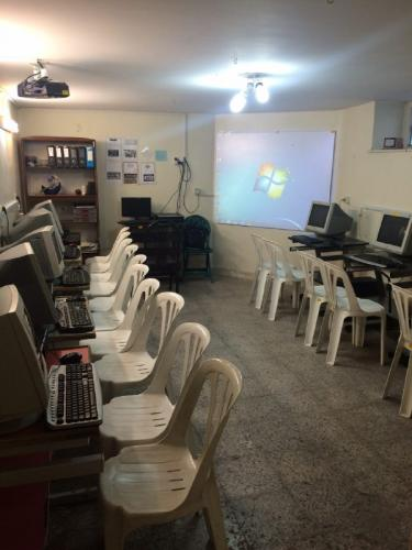 کارگاه کامپیوتر - دبستان دوره اول