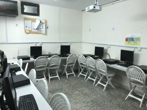 کارگاه کامپیوتر - دبستان پایه اول